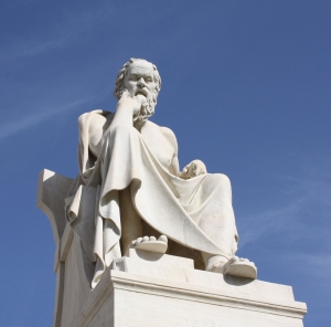 Estatua de Sócrates en Atenas, Grecia