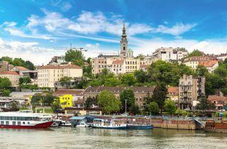 Paisaje urbano de Belgrado desde el río Sava, Serbia