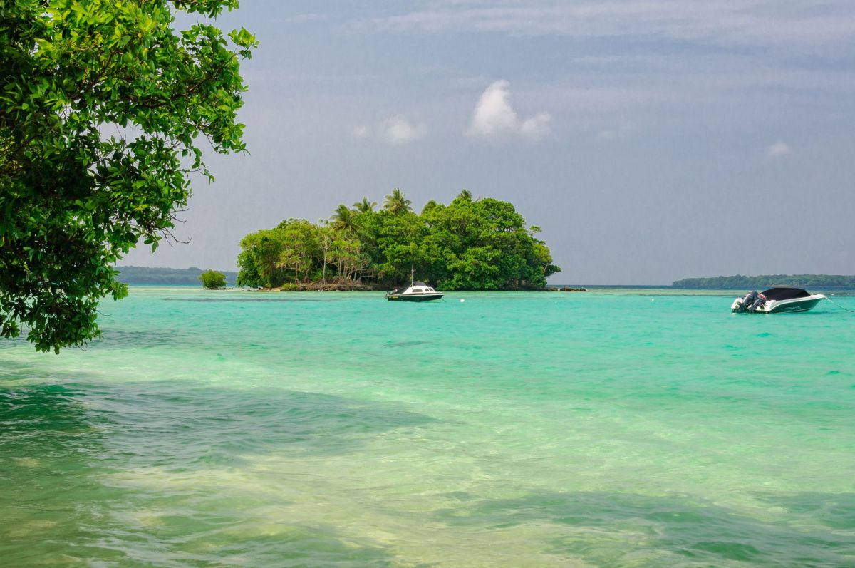 Pequeña isla de coral en Vanuatu