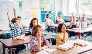 Empresas de migración capitalizan la demanda de educación